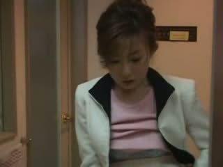 Ιαπωνικό μαμά που πιάστηκε nephew τραβώντας μαλακία βίντεο