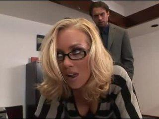Nicole aniston escritório