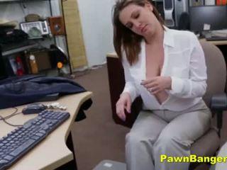 גדול titty אנמא sells שלה פטמות ו - כוס ל מזומנים