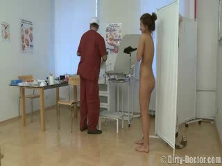 Babe sesat oleh sebuah gynecologist