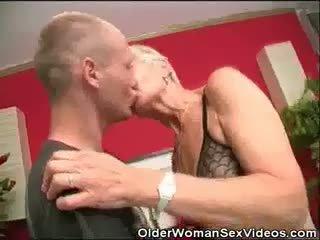 Dentures και blowjobs γιαγιά