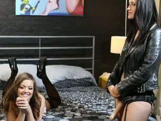 si rambut cokelat, keledai ke mulut, anal