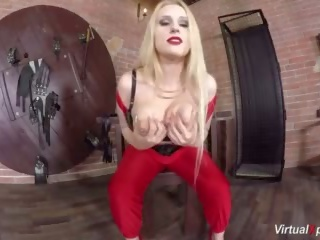 Engel wicky shows haar groot boezem