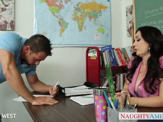 ইউরোপীয় মেয়ে শিক্ষক holly west যৌনসঙ্গম তরুণ ছাত্রী