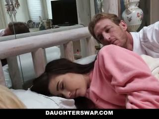 Daughterswap - daughters fucked semasa sleepover