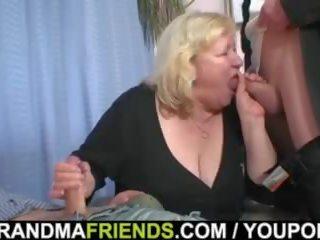 Double penetration pre obrovský stará mama