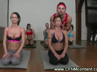 Kirli yoga instructors küntije lesson