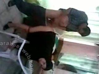 Arab paklīdusi sieviete fucked par chair-asw580