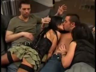 Elizabeth lawrence v pornohviezda trojka