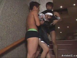 Giapponese pupa forzato a succhiare cazzo uncensored