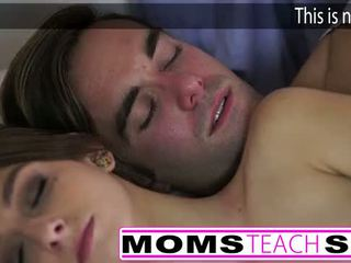 Heet mam en stap zoon neuken jong vriendin