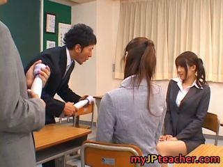Junna aoki и erika kirihara секси прекрасен