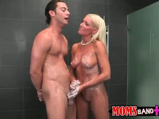 Stepmom diana búp bê là fucking elainas bf