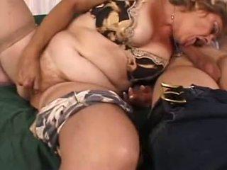 Bubble Butt Horny Granny has a quicky -