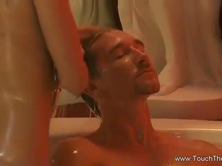 성욕을 자극하는 터키의 bath 마사지