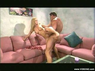 Mescolare di caldi blondes filmati da videosz