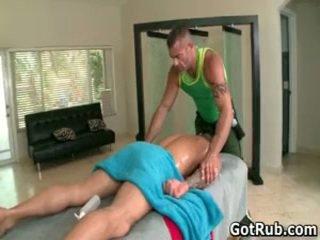 Мускулест hunk с tattoos чукане негов масаж pro