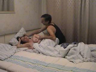 パパ awakes と fucks 彼女の ビデオ
