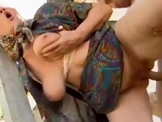 2 ferma grannies seduced by young man