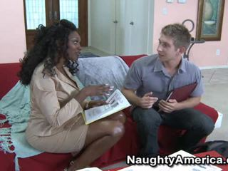 Busty Black Porn Model Nyomi Banxxx Wants The Whitey
