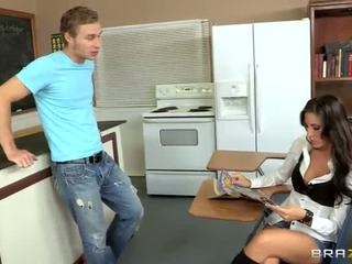 Kortney Kane Loves To Cook Some Real Cream Cookies