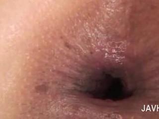 Aziatisch anaal creampie in close-up met naakt geil babe