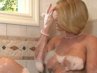 Lascivious Babe Krissy Lynn Pleasures Her Twat Iwth Her Fingers In The Bathroom Tub