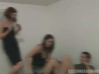 Ceh mega swingers: bruneta whores în ceh stil orgie