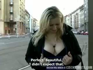 големи цици, на открито, блондинка