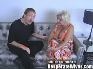 Lits abielunaine claudia marie gets perses poolt räpane d ja swallows tema kuum load kohta jobi