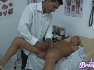 Zicke bree olson ist having dass guyr soaked büchse tickled mit sie physicians fingers