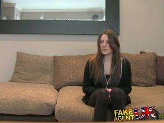 Fakeagentuk posh 年轻 英国的 女孩 gets 肛交 体内射精 铸件