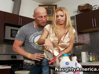 Künti betje eje brooke tyler hungry for the huge baloney