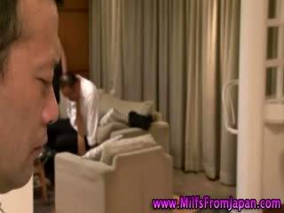 Japansk milf husmor getting det på