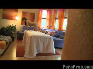 Capri cavalli getting orgasmia päällä hieronta pöytä