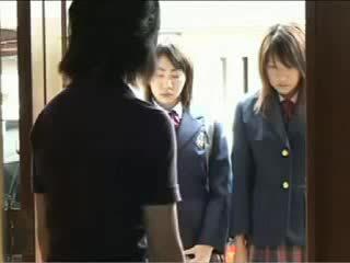 Pievilcīgas japānieši pusaudze got fondled līdz viņai skola bullies video