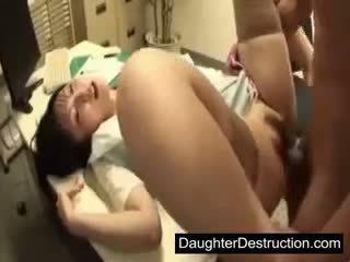 Unge japansk japansk datter misbruk