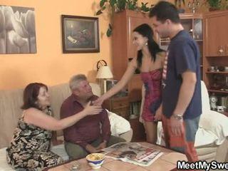 Hans gf seduced av pervertert parents