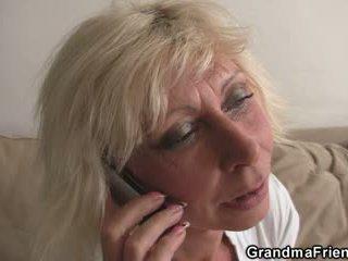 Pangtatluhang pagtatalik pagtitipon may ginintuan ang buhok maturidad widow