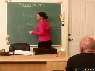melihat sophie dee, percuma busty teacher hq