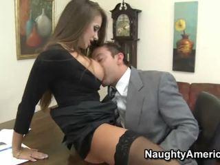 Pictures на fellows having секс с studs или boys