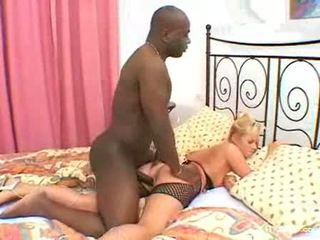 Suzie interracial anal penetration rectumwith aucun douleur