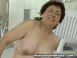 Moms hairypussy gets fuck