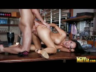 Darksome haired oriental baise poupée asa akira acquires jizzed sur son warm bouche