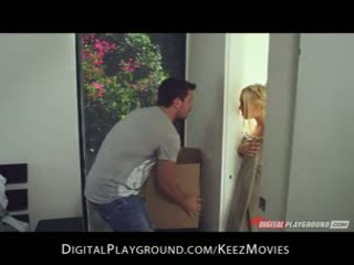 Manuel ferrara - big-tit pirang seduces her man fresh out of the padusan