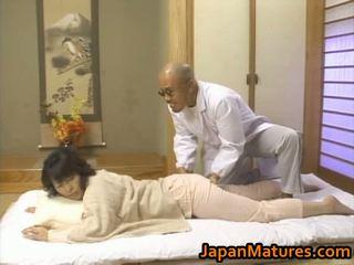 Äldre asiatiskapojke hårdporr video-