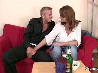 Dia picks naik dan fucks boozed dewasa wanita jalang