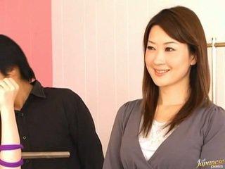 Japānieši av modele pees