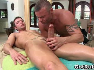 Super เซ็กซี่ guy gets เซ็กซี่ ร่างกาย massages