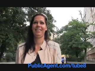Publicagent menakjubkan si rambut coklat babe adalah bent lebih pada saya kereta